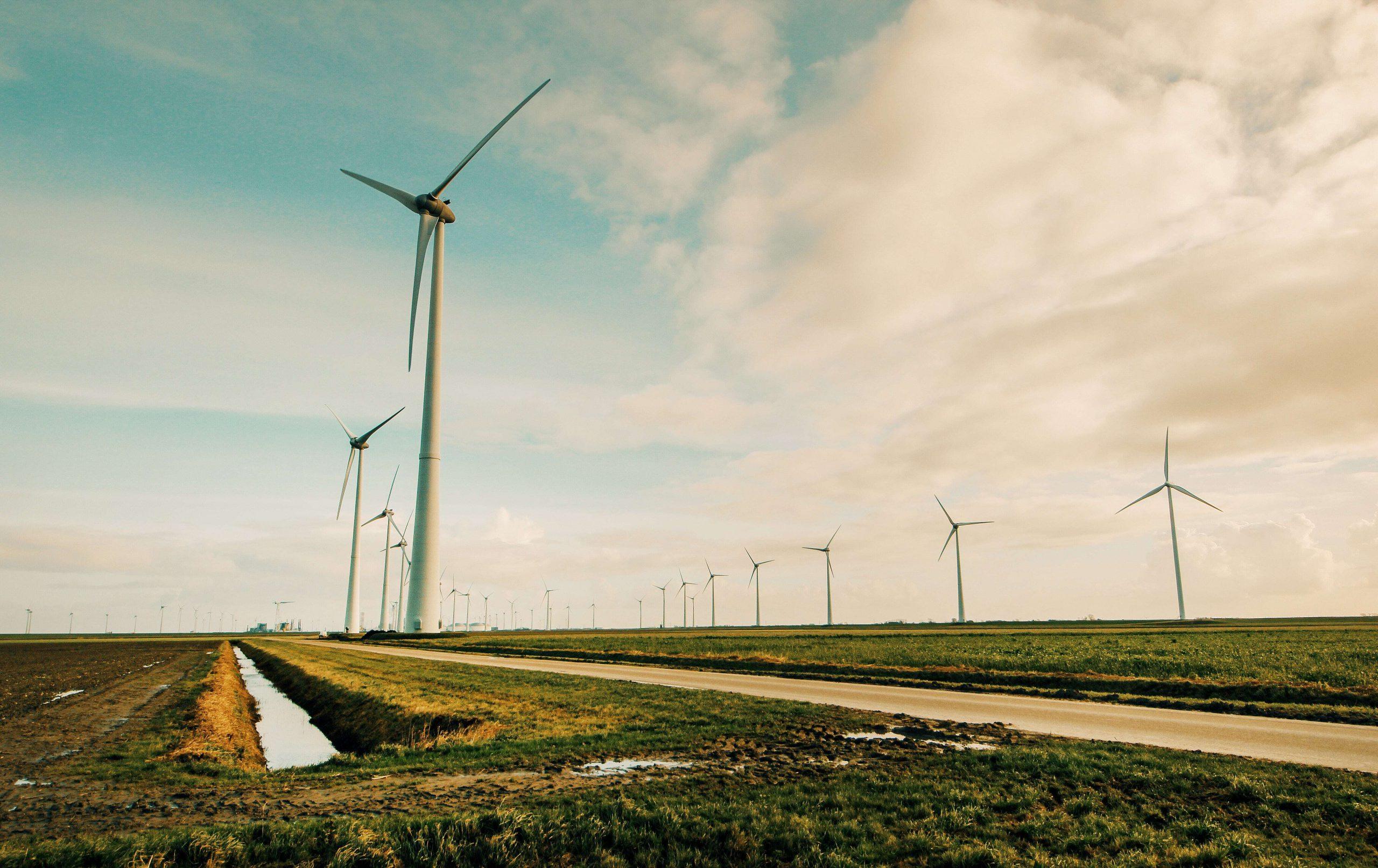 windmolens of zonne-energie? De voor- en nadelen van beide